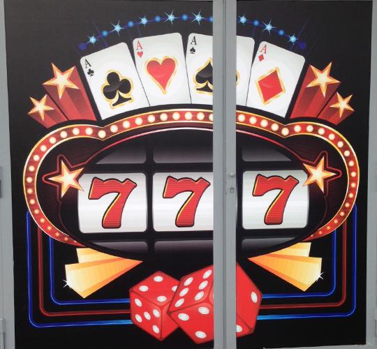 decorazione vetrine poker imprint